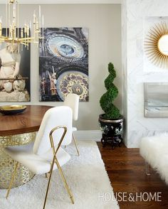 Best of H&H TV: Tour a glam condo that maximizes space with bold decor! [Design: @trishjohnstondesign Photo: Jason Stickley] Video Link In Profile #houseandhome #design #interiordesign #interior #decor #glam #bolddecor #video #watch #inspiration