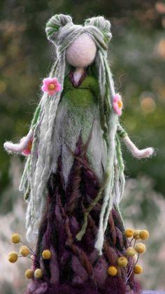 Needle felted art doll Waldorf inspired Woolen doll Home decor Nadel gefilzte Kunst Puppe Waldorf inspirierte von Mehr Wet Felting, Needle Felting, Doll Home, Felt Fairy, Flower Fairies, Waldorf Dolls, Fairy Dolls, Felt Toys, Felt Animals