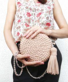 60a2e4375634 Круглая сумка из трикотажной пряжи цвета Мокко (бежевый, коричневый, кофе с  молоком)