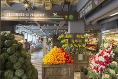 The paradise- HUGE organic market in Sodermalm Green Initiatives, Organic Market, Commercial Design, Stockholm, Sweden, Veggies, Holiday, Plants, Restaurants