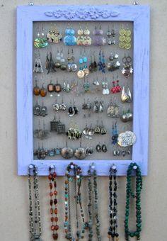 Jewelry Tree / Earring Holder / Wooden Jewelry Tree / Jewelry Stand / Gift for any woman / Wooden Jewellery Organizer - Custom Jewelry Ideas Diy Earring Holder, Diy Jewelry Holder, Jewelry Hanger, Necklace Holder, Jewelry Tree, Wooden Jewelry, Homemade Earring Holders, Jewelry Wall, Jewelry Crafts