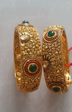 Gold Wedding Jewelry, Gold Rings Jewelry, Gold Bangles Design, Gold Jewellery Design, 1 Gram Gold Jewellery, Bridal Bangles, Jewelry Model, Jewelry Patterns, Gold Necklace