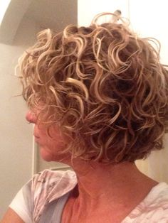 to easy curly hairstyles curly hairstyles over 50 overweight to curly bob hairstyles curly quiff hairstyles kit hairstyles curly hairstyles for 60 year olds hairstyles low maintenance hairstyles with headbands Short Permed Hair, Short Curly Haircuts, Curly Hair Cuts, Curly Bob Hairstyles, Wavy Hair, Short Hair Cuts, Curly Hair Styles, Quiff Hairstyles, Blonde Hairstyles