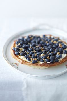 delicious blueberry tart - photographed byJanne Peters