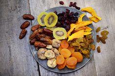 Delikatessen im Ansatzglas: Trockenfrüchte gehören bei Wasserkefir und Ginger Root Beer einfach dazu!