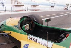 Mika Hakkinen's Lotus-Ford 107 at Estoril, mid-season test, 1992 F1 World Championship