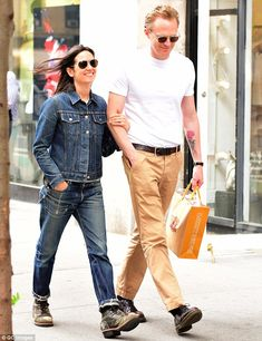 A Beautiful Bind! Jennifer Connelly and Paul Bettany were the picture of compatibility as ...