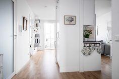 Lundin Fastighetsbyrå - 2:a Kviberg  -  Underbar lägenhet på våning 5/5 och stor balkong med kvällssol!
