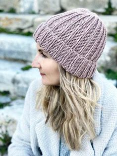 How To Knit A Hat With Straight Needles | Handy Little Me Knit Hat Pattern Easy, Beanie Knitting Patterns Free, Easy Knit Hat, Beanie Pattern Free, Cable Knit Hat, Baby Hats Knitting, Free Knitting, Knitted Hats, Loom Knitting