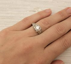 A CUP OF JO: How to choose a vintage engagement ring...Vintage all the way!  <3