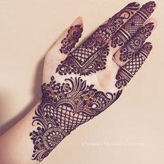 Mehndi is something that every girl want. Arabic mehndi design is another beautiful mehndi design. We will show Arabic Mehndi Designs. Henna Hand Designs, Latest Arabic Mehndi Designs, Mehndi Designs 2018, Modern Mehndi Designs, Mehndi Designs For Girls, Beautiful Mehndi Design, Latest Mehndi, Hena Designs, Modern Henna