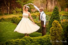 Oatlands Historic House & Gardens- Outdoor wedding venue; Dancing in the gardens; retro 40's wedding dress; Photo by Ever After Visuals.