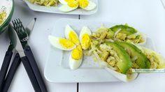 Tegenover de knapperige witlof zorgt de zachte en romige avocado voor een heerlijk mondgevoel. Deze witlofsalade is lekker licht en vrij subtiel van smaak.