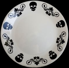 Memento Mori Skulls Dinner Plate by SqueeSquared on Etsy🍒 Kitchen Items, Kitchen Decor, Gothic Kitchen, Skulls And Roses, Skull Decor, Gothic House, Dinner Plates, Halloween, Sweet Home