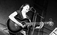 LA DEMOIZELLE GABRIELLE: chanson Française féminine humaniste et «morpionne».