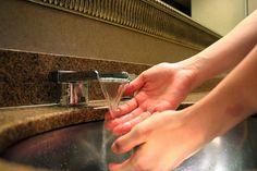 Cómo aliviar el dolor de manos con remedios caseros