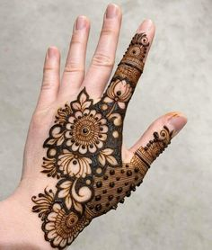 50 Most beautiful Los Angeles Mehndi Design (Los Angeles Henna Design) that you can apply on your Beautiful Hands and Body in daily life. Traditional Mehndi Designs, Floral Henna Designs, Mehndi Designs Feet, Latest Bridal Mehndi Designs, Indian Mehndi Designs, Legs Mehndi Design, Full Hand Mehndi Designs, Henna Art Designs, Mehndi Designs 2018