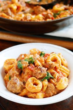This Italian Sausage Tortellini is bursting with rich, fresh flavors. A decadent, creamy tomato sauce surrounds pillowy soft, cheesy tortellini and bold, seasoned Italian sausage. A great one pot dinner❣️ Easy Tortellini Recipes, Sausage Tortellini, Italian Sausage Pasta, Pasta Recipes, Tortellini Pasta, Italian Cheese, Chicken Sausage, Chicken Pasta, Italian Sausages