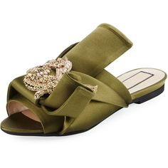 No. 21 Embellished Flat Satin Mule Slide (28.930 RUB) ❤ liked on Polyvore featuring shoes, sandals, green, shoes sandals, green flat sandals, embellished flat sandals, jeweled sandals, bow flat sandals and flat sandals