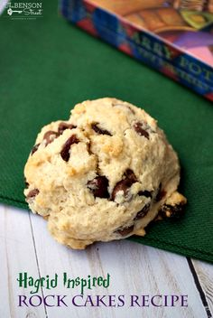 Harry Potter Inspired Rock Cakes - The Benson Street Rock Recipes, Best Cake Recipes, Dessert Recipes, Harry Potter Desserts, Harry Potter Food, Jarry Potter, Homemade Christmas Presents, Sweet Cooking, Rainbow Food