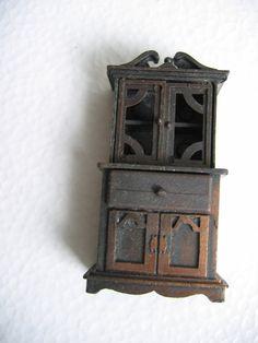 Vintage Durham Miniature Cabinet.  Dollhouse Furniture.  Made in Hong Kong, 1977.  Die cast metal.