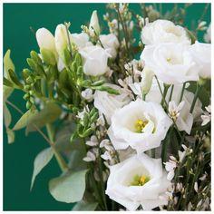 89787ff1da33 57 meilleures images du tableau Bouquets de fleurs fraîches en 2019