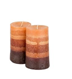 Si te gusta hacer velas caseras, entonces conocerás la diferencia entre una vela común y una vela aromática, que al encenderse desprende un rico aroma que perfuma toda la casa. Y estas esencias las puedes comprar para hacer velas artesanales, pero también las puedes hacer de forma casera con estas recetas de aromas
