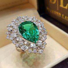 Did your eyes turn green yet? #exceptional #diamondland #emerald
