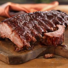 Mediterranean Back Ribs with Pomegranate Sauce: Fire up the grill and start a taste sensation! These Mediterranean Back Ribs with Pomegranate Sauce are sweet, saucy, and yes – amazing. Rib Recipes, Grilling Recipes, Sauce Recipes, Cooking Recipes, Easy Recipes, Pork Back Ribs, Bbq Ribs, Bbq Pork, Pomegranate Sauce
