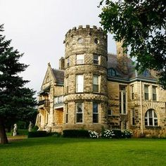 The Castle Inn Riverside in Wichita: One of our favorite romantic getaways. Click for more ideas!