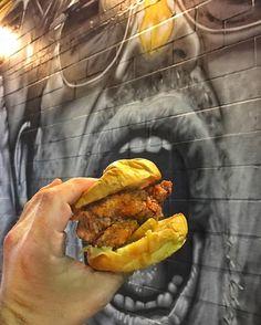 @BonaFriedTruck Southern Fried Chicken Sandwich tonight @Gasa_Gasa #FriedChicken and Honey #HotSauce #HellsYeah!  @MTOgraff I'm thinking your piece will enjoy!  #BonaFried #eatingNOLA approved #BonaPrize for the in #YaHeard!