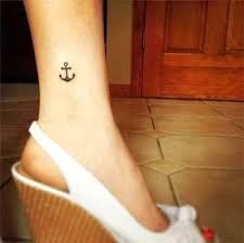 Resultado de imagem para tattoos dedos pes femininos