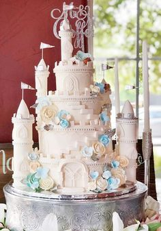 This gorgeous castle wedding cake is every fairytale lovers dream! Castle Wedding Cake, 4 Tier Wedding Cake, Fall Wedding Cakes, Wedding Cake Designs, Disney Wedding Cake Toppers, Wedding Ideas, Wedding Stuff, Wedding Decorations, Gorgeous Cakes