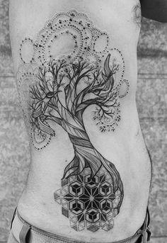 Schwarzer Patchwork Baum Tätowierung auf Rippen