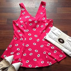 💕Host Pick💕 🆕Top Cute pink peplum top with daisies NWOT 2X fits 16/18 Boutique Tops