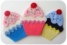 Iron On Cupcake Patch/Applique Pattern and Tutorial PDF Felt Applique, Iron On Applique, Tutorial Applique, Cupcake Crafts, Felt Crafts Patterns, Applique Patterns, Felt Cupcakes, Felt Play Food, Felt Decorations
