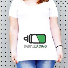"""Camiseta para embarazada """"baby loading"""", disponible en nuestra tienda cosasderegalo.com"""