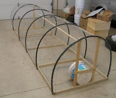 Ta-dah!  This is our new lightweight poultry pen. We call it the Poultry Schooner. It measures 3 feet wide by 10 feet long, which means it...