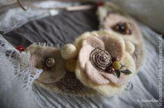 Украшение на шею Нежный Октябрь - бежевый,бежево-коричневый,украшения ручной работы