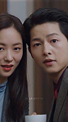 Korean Drama Songs, Korean Drama Funny, Korean Drama List, Song Joong Ki Dots, Song Joon Ki, Handsome Korean Actors, Drama Memes, Kdrama Actors, Korean Actresses