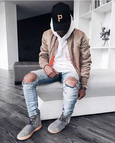 Style by @blvckmvnivc  Yes or no?  Via @gentwithstreetstyle  Follow @mensfashion_guide for dope fashion posts!  #mensguides #mensfashion_guide