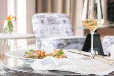 *** COME & SEE FOR YOURSELF ***     Ein kleiner Vorgeschmack auf das NEUE FONTANA-Restaurant, das nach 3-monatiger Umbauphase und kompletter Neugestaltung am Freitag, 1.4. eröffnet hat. Neugierig auf mehr...?    Dann kommen Sie vorbei und lassen Sie sich vom neuen Ambiente überraschen und verzaubern, Küchenchef Matthias Schütz und das FONTANA-Team freuen sich auf Sie!