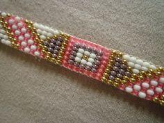 Bracelet tissé perles miyuki delicas rose : Bracelet par les-bijoux-de-la-closerie-deval