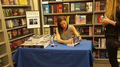 lauren kate (@laurenkatebooks) | Twitter Lauren Kate, Twitter, Reading, Writers, Author, Word Reading, Reading Books, Libros