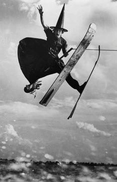 Bruja esquiadora del aire.