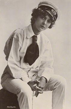 Deviates, Inc. — Julia James, 1910 photos by Rita Martin Vintage Outfits, Vintage Fashion, Mod Outfits, Tomboy Outfits, Julia James, Tomboy Look, Tomboy Style, Androgynous Women, Vintage Lesbian