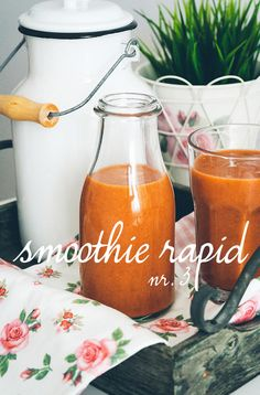 Smoothie rapid nr.6 (morcov, banana, mar, portocala, chia) Non Alcoholic Drinks, Beverages, Simple Things, Smoothie, Banana, Healthy Recipes, Party, Smoothies, Health Recipes