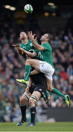 Pictures from Ireland vs New Zealand Ireland Rugby, Irish Rugby, Rugby Men, Rugby Players, Anatomy Reference, American Football, Boy Fashion, Athletes, Candid