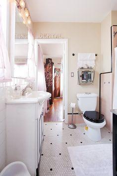 Jeremy & Kim's Cozy Deco Home