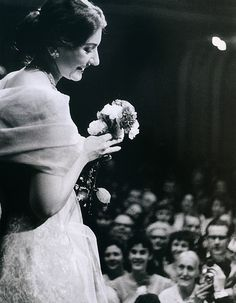 Maria Callas, Hamburg, 1959 | [via wishflowers.tumblr]